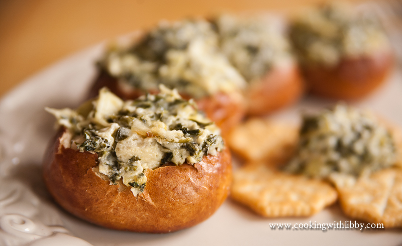 Spinach Artichoke Dip in Bread Bowl Mini-spinach Artichoke Dip