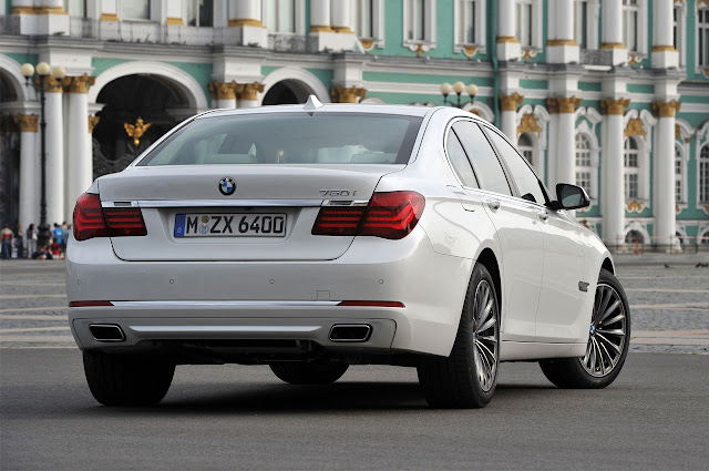The new BMW 7 Series back side
