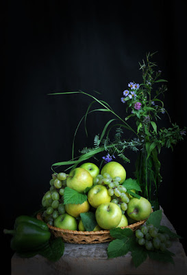 Manzanas y uvas - Grapes and apples