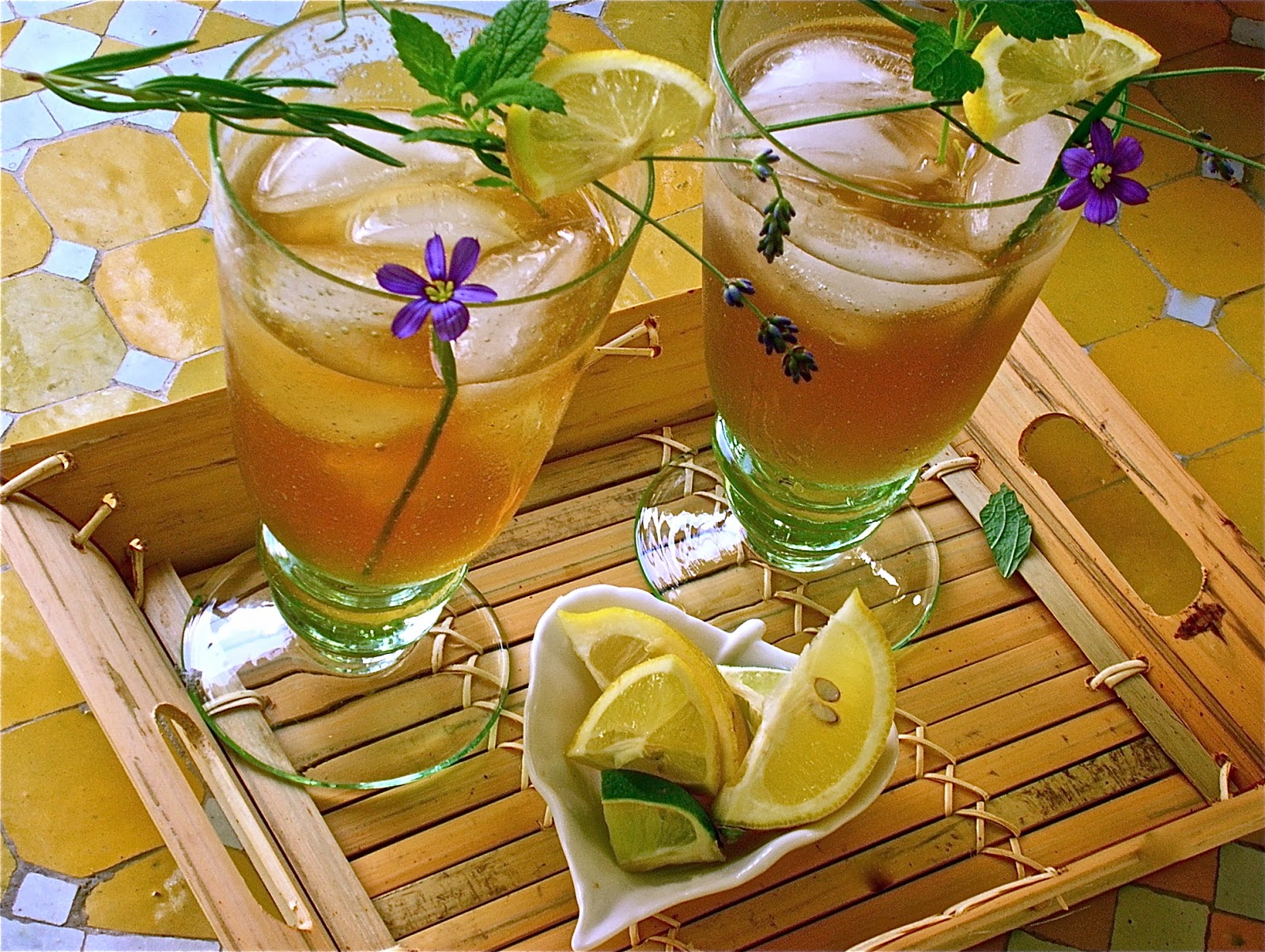 Refreshing Lemon Tea