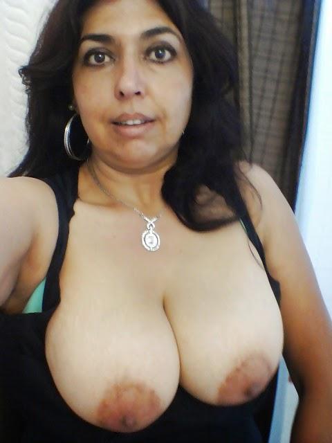 Nude mujeres pechos grandes pezones