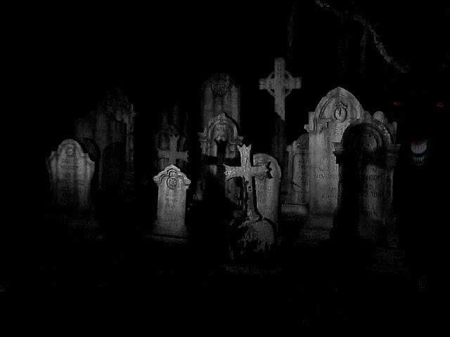[Creepypastas] Postarei Varias Creepypastas ou quase Graveyard