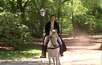 Kate_and_Leopold_scene_riding_on_white_horse