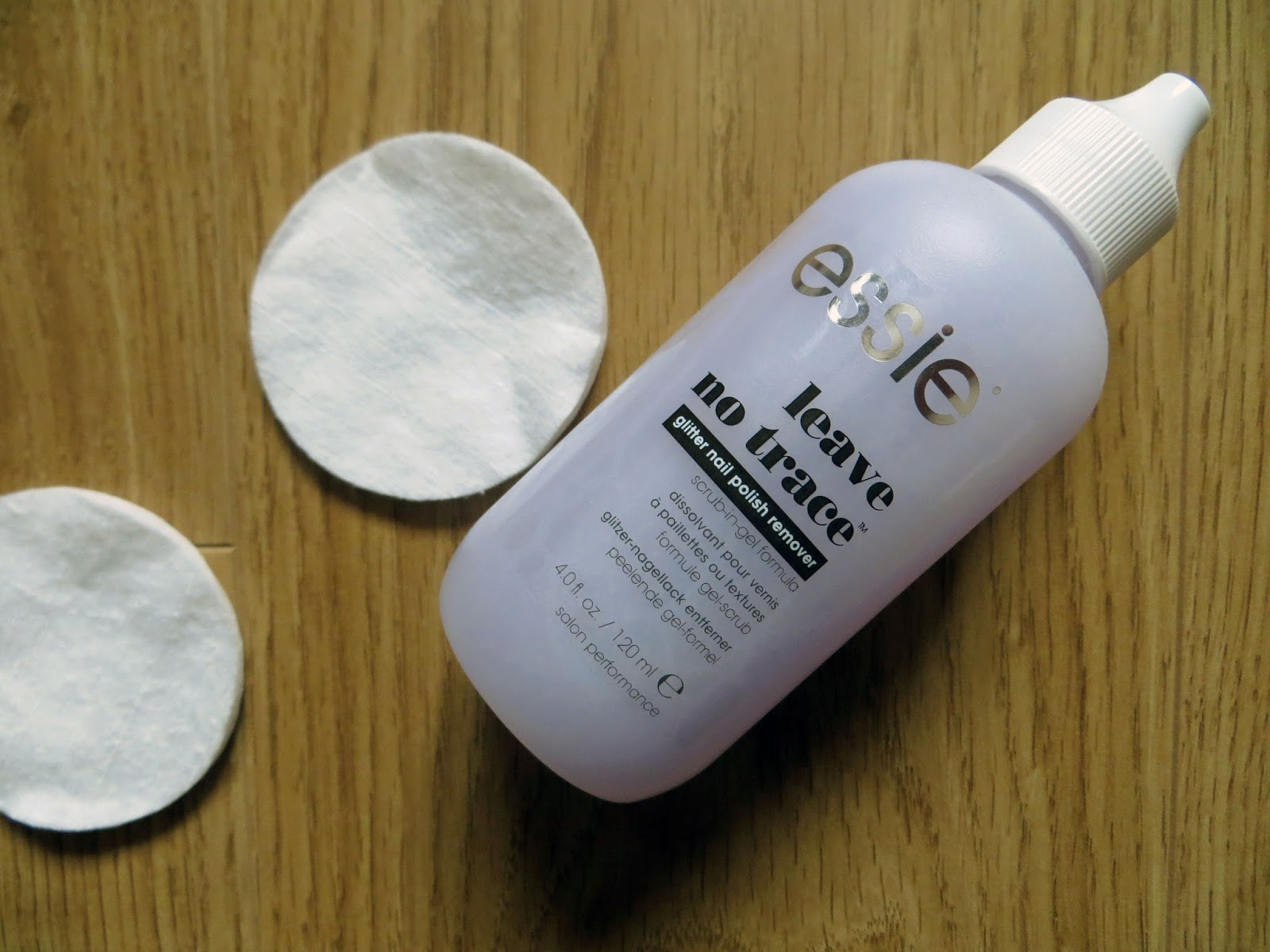 Dainty Ditsy: Disappointing Product - Essie Leave No Trace Glitter ...