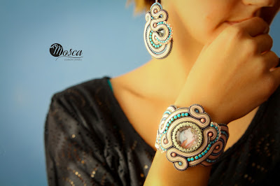 komplet biżuterii z sutaszu