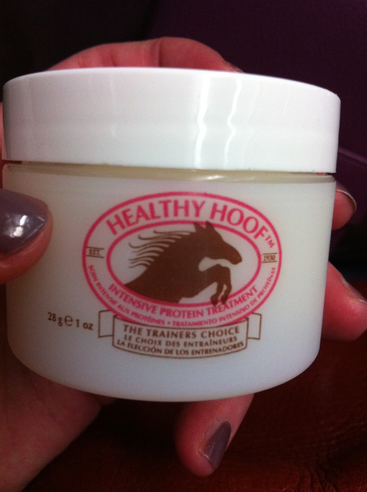 Blogging in Pyjamas: Healthy Hoof Nail Treatment - A Review