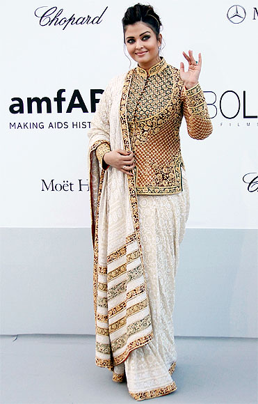 Aishwarya Rai's First Look in Cannes Film Festival-2012