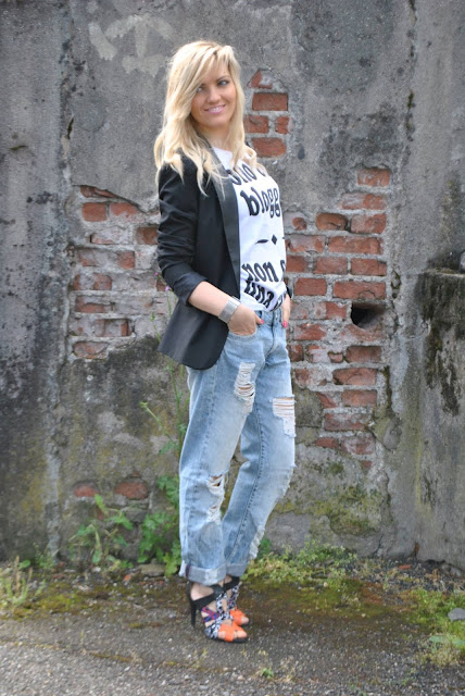 jeans boyfriend strappati ripped boyfriend jeans best outfit 2015 outfit più belli del 2015 outfit inverno 2015 outfit estate 2015 look più belli del 2015 best dresses 2015 mariafelicia magno fashion blogger colorblock by felym fashion blog italiani fashion blogger italiane blog di moda blogger italiane di moda fashion blogger bergamo fashion blogger milano fashion bloggers italy italian fashion bloggers influencer italiane italian influencer  outfit 2015 street style best street style 2015