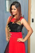 Shilpa Chakravarthy New glam pics-thumbnail-9