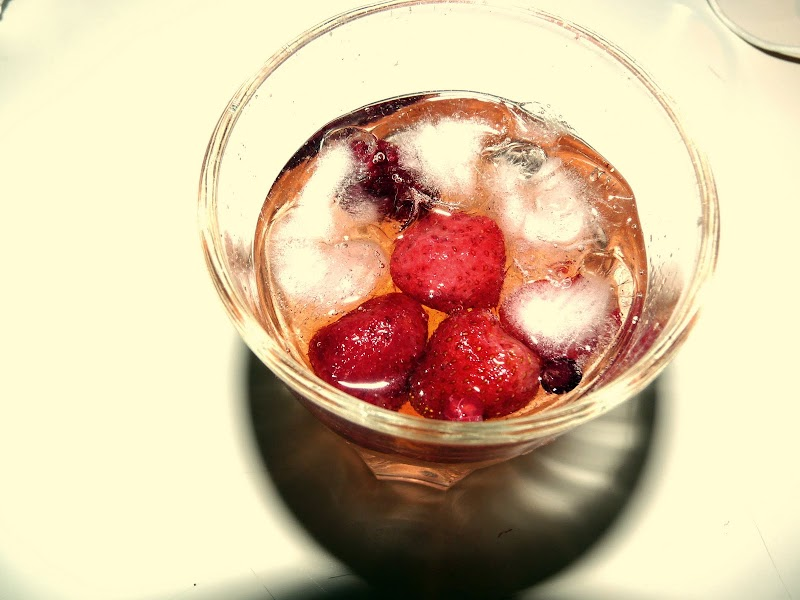 ICE AND BERRIES