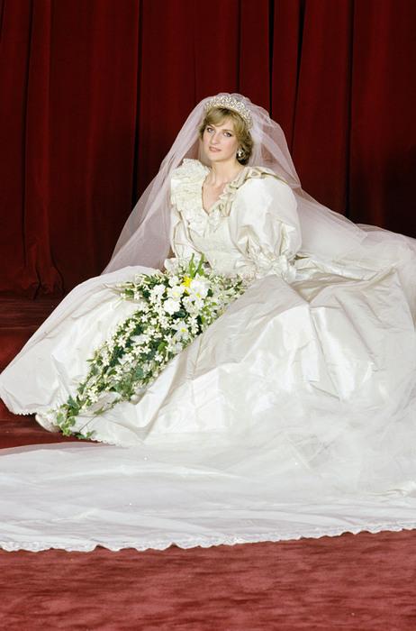 princess diana wedding dress photos. princess diana wedding dress.