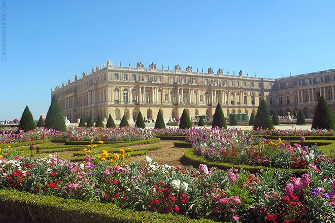 Versailles-Palace-and-garden