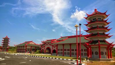 Masjid China di Melaka Yang Unik