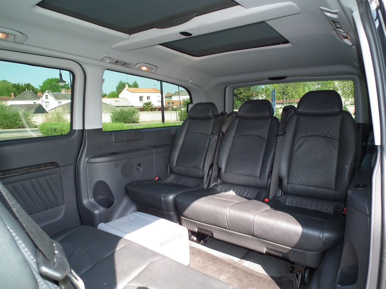 Viano 4matic mercedes viano 4x4 2 2 ambiente extra long 4 for Interieur jumpy 9 places