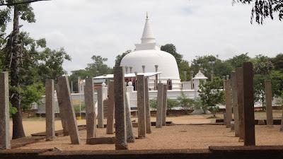 Ступа, Анурадапура, Шри-Ланка