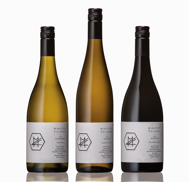 vino bottiglie etichette grafica packaging design eleganza oriente filosofia yin yang naming