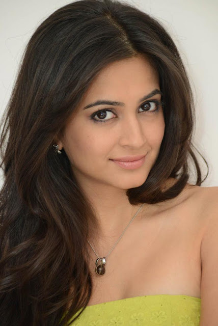 Kriti Kharbanda latest pics