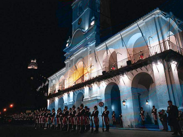 Argentinean ceremonial troops in front of El Cabildo in Buenos Aires