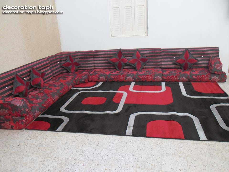 decoration salon tapis rouge d coration tapis. Black Bedroom Furniture Sets. Home Design Ideas