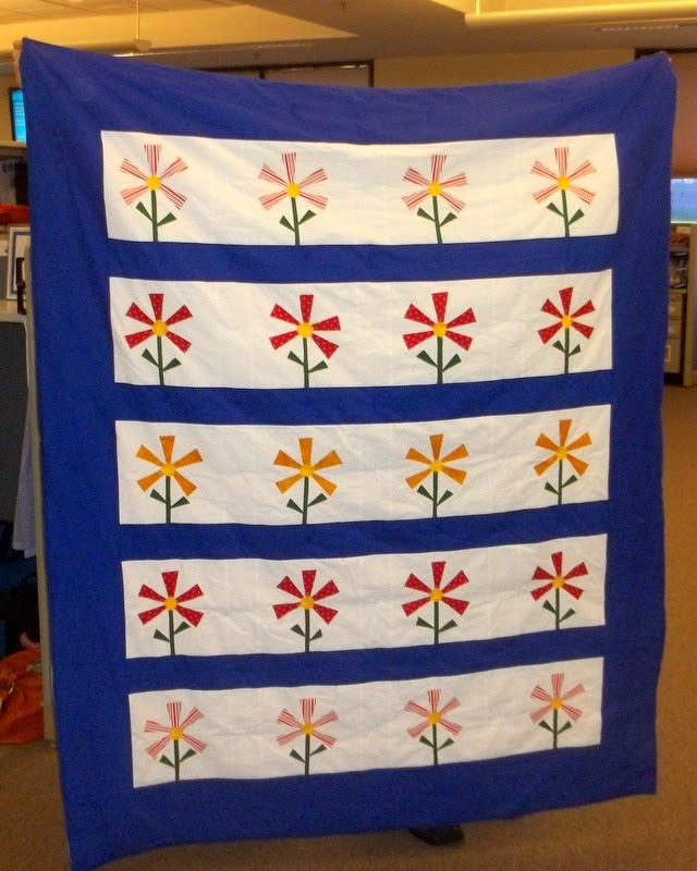 Traveling Quilter: Pizza Flowers Quilt Finish