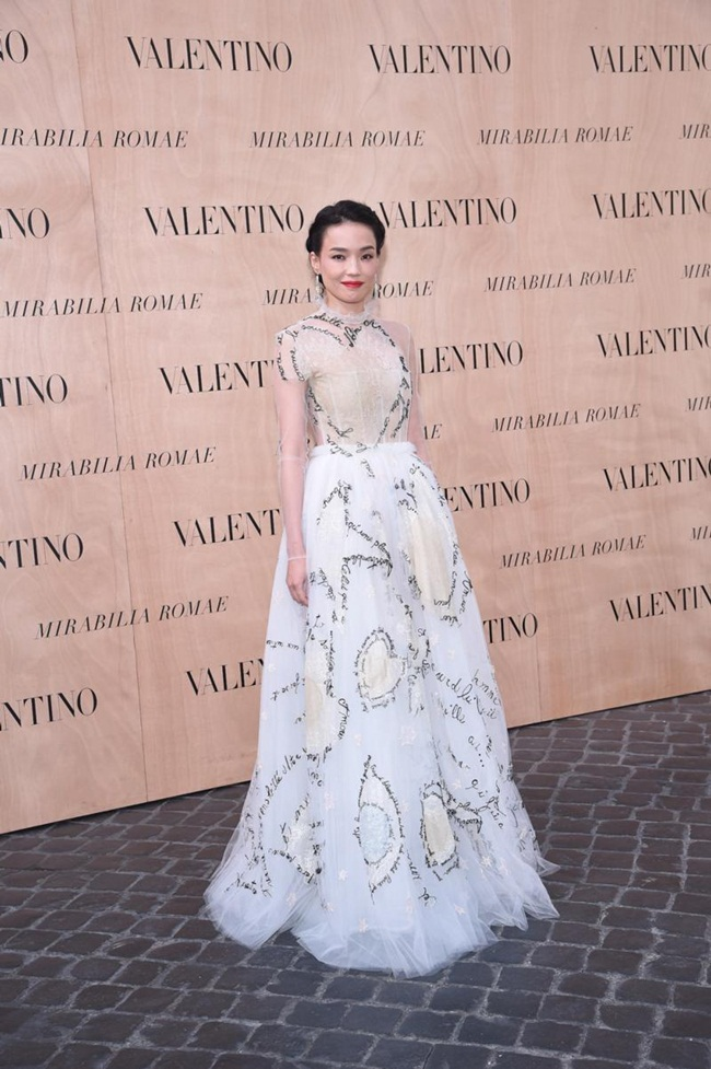 Valentino Couture Spring 2015 Love Words Dress on Red Carpet