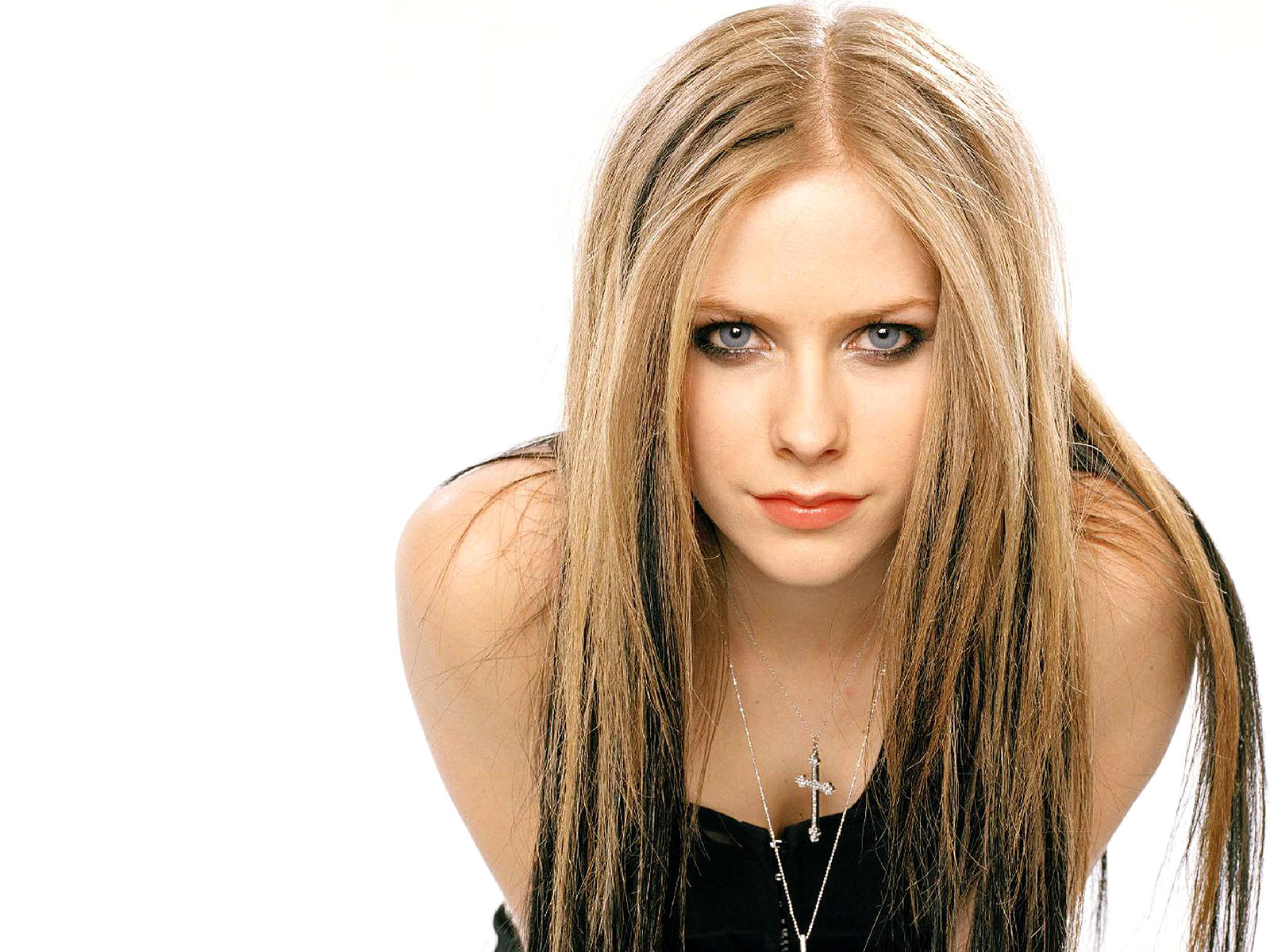 Avril Lavigne Hot Pictures, Photo Gallery & Wallpapers Lavigne