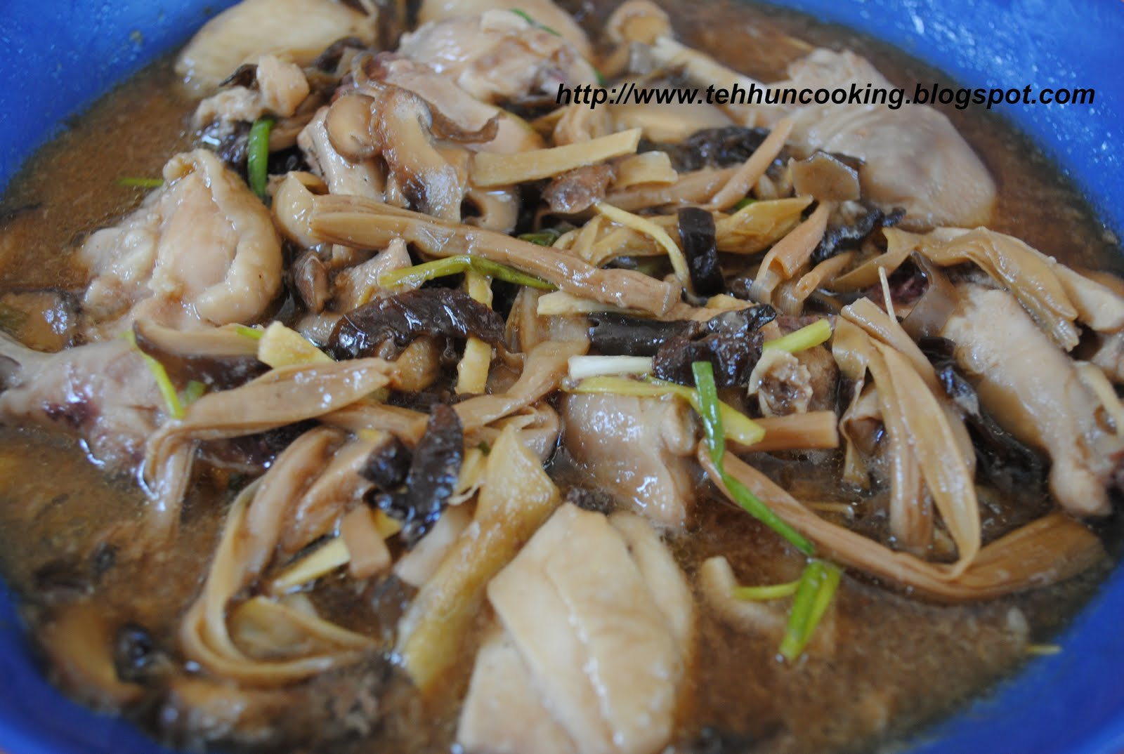 Tehhuns kitchen steam chicken with dried lily steam chicken with dried lily flower black fungus and mushroom izmirmasajfo Gallery