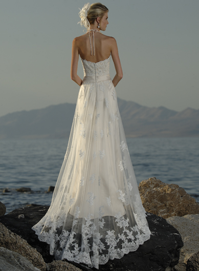 Wedding trend ideas wedding dresses beach casual for Lace beach wedding dresses