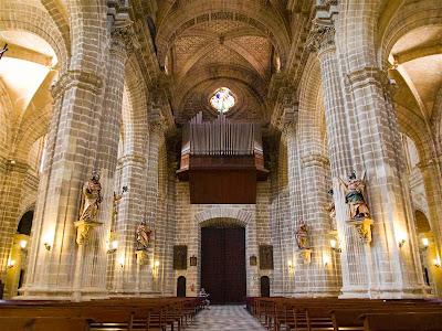 Interior de la Catedral de San Salvador