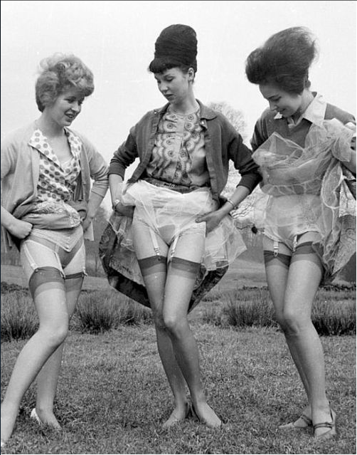 vintage 40s ladies showing off their knickers #vintage #knickers #lingerie