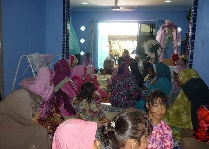 Saudara Mara Yang Hadir Majlis Baby Shower Belah Pagi Berdekatan
