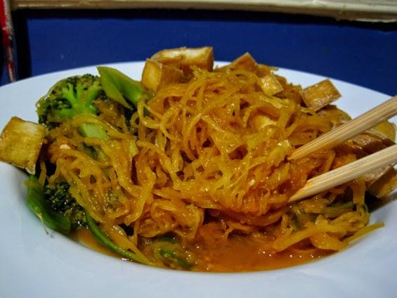 Recettes avec courgettes spaghetti - Comment cuisiner une courgette spaghetti ...