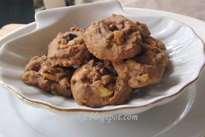 Chocolate chip famous amos cookies