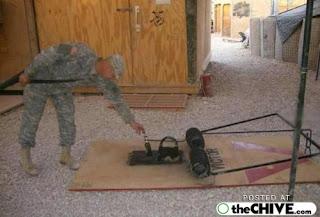 [Picture] เจองี้ตายแน่ๆ รวมเรื่องแปลก A-funny-iraq-us-soldier-pics-2