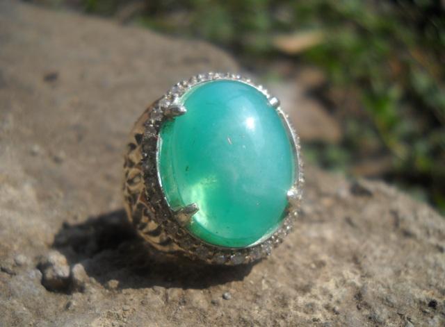 BC65- Batu Bacan Palamea Pido - Tanpa Flek Hitam..SOLD