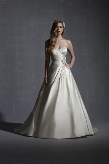 That Big White Dress wedding lancaster wedding dress Justin Justin