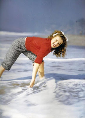 Marilyn Monroe Seen On www.coolpicturegallery.us