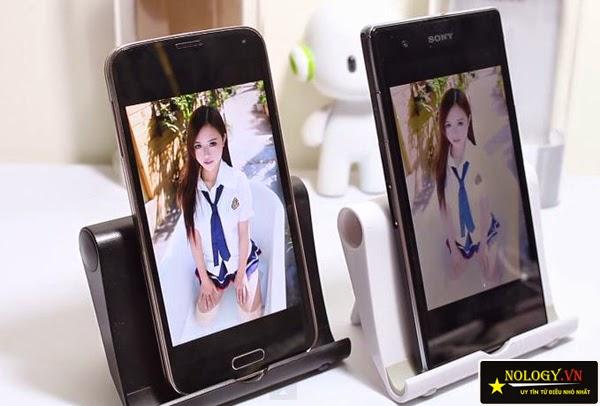 Samsung Galaxy S5 Au và Sony Xperia Z1.