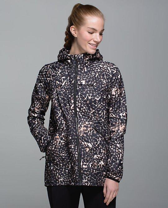 lululemon-miis-misty-jacket