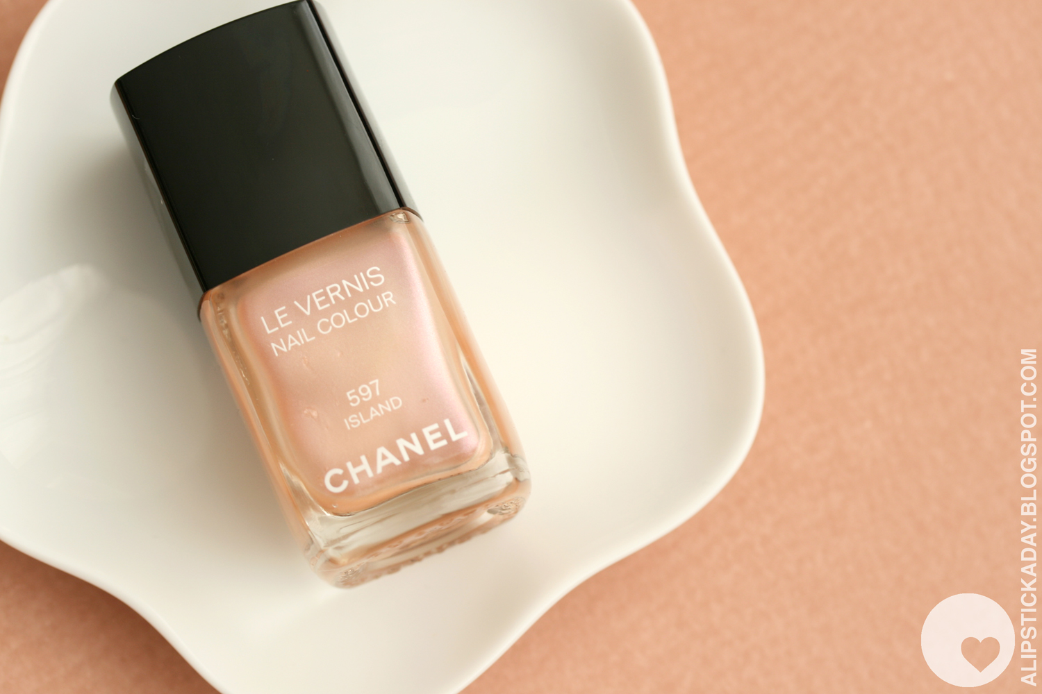 The Beauty Look Book: Chanel Island, Delight and Holiday
