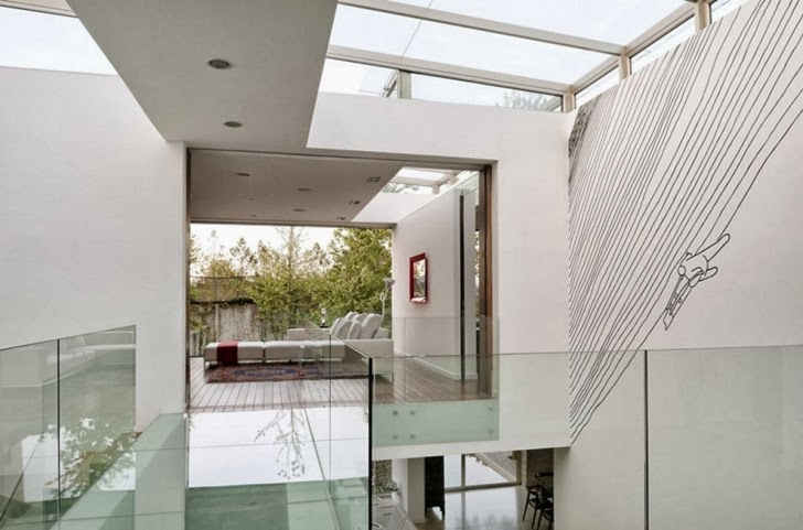 Interiors in Modern dream home by Paz Arquitectura