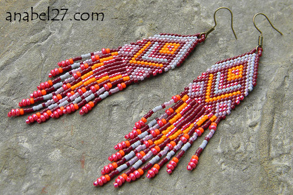 Native American Peyote Beading Patterns http://www.anabel-beadpatterns.com/2012/06/peyote-earrings-patterns.html