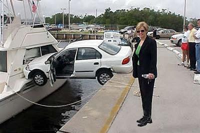 Najsmešnije slike: auto sleteo u brod