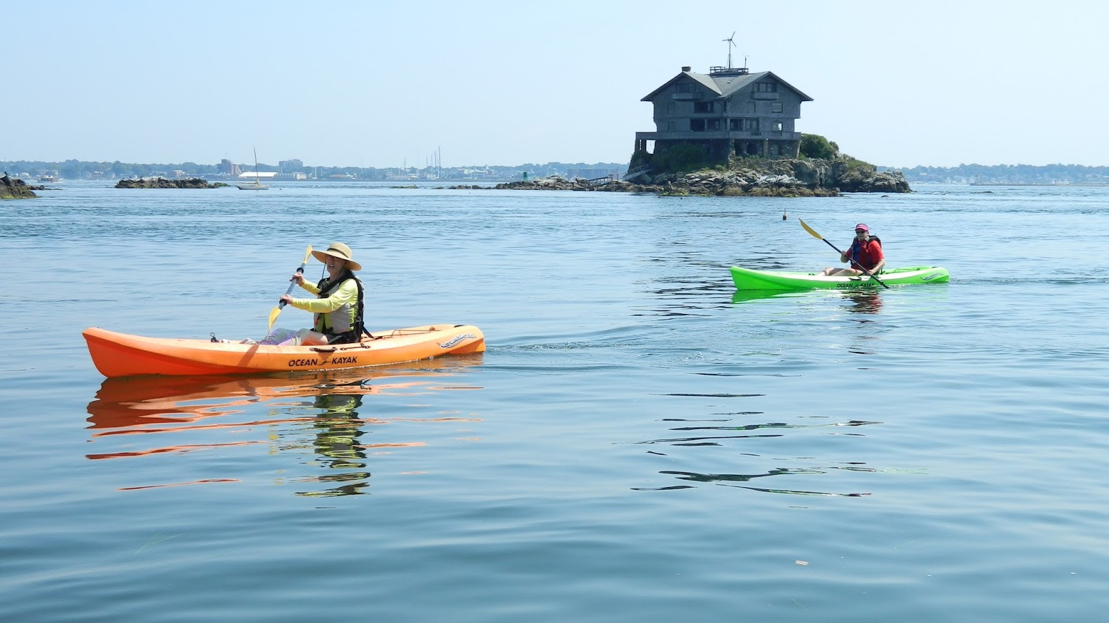 as you can see the water was beautifully calm nice for motor boats and kayaks but not so sweet for sail boats these guys were getting towed out to where - Clingstone Narragansett Bay