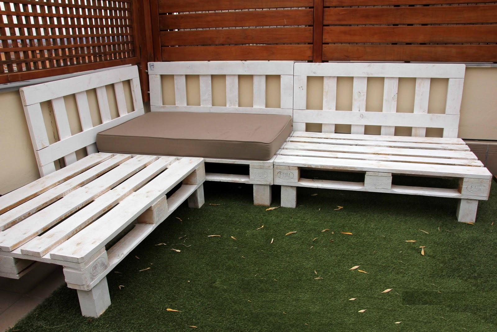 Muebles malee muebles ecologicos madera renovada - Hacer sillones con palets ...