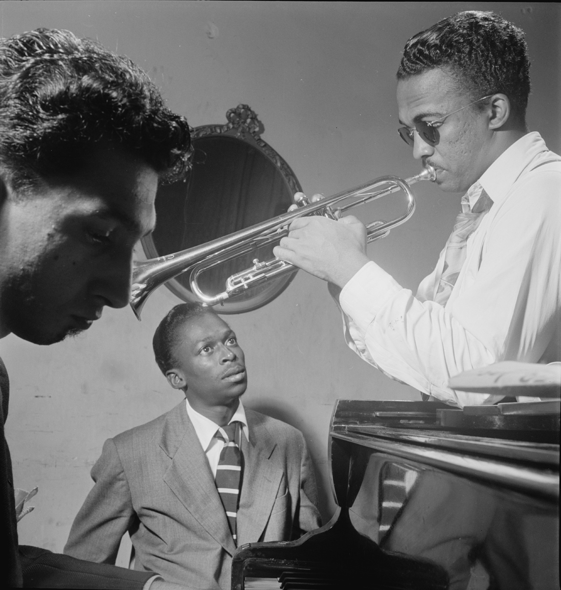starr review ear training william gottlieb listens to jazz when gottlieb took his pictures he divested his subjects of anything indifferent lukewarm or despicable that they have had in their daily lives