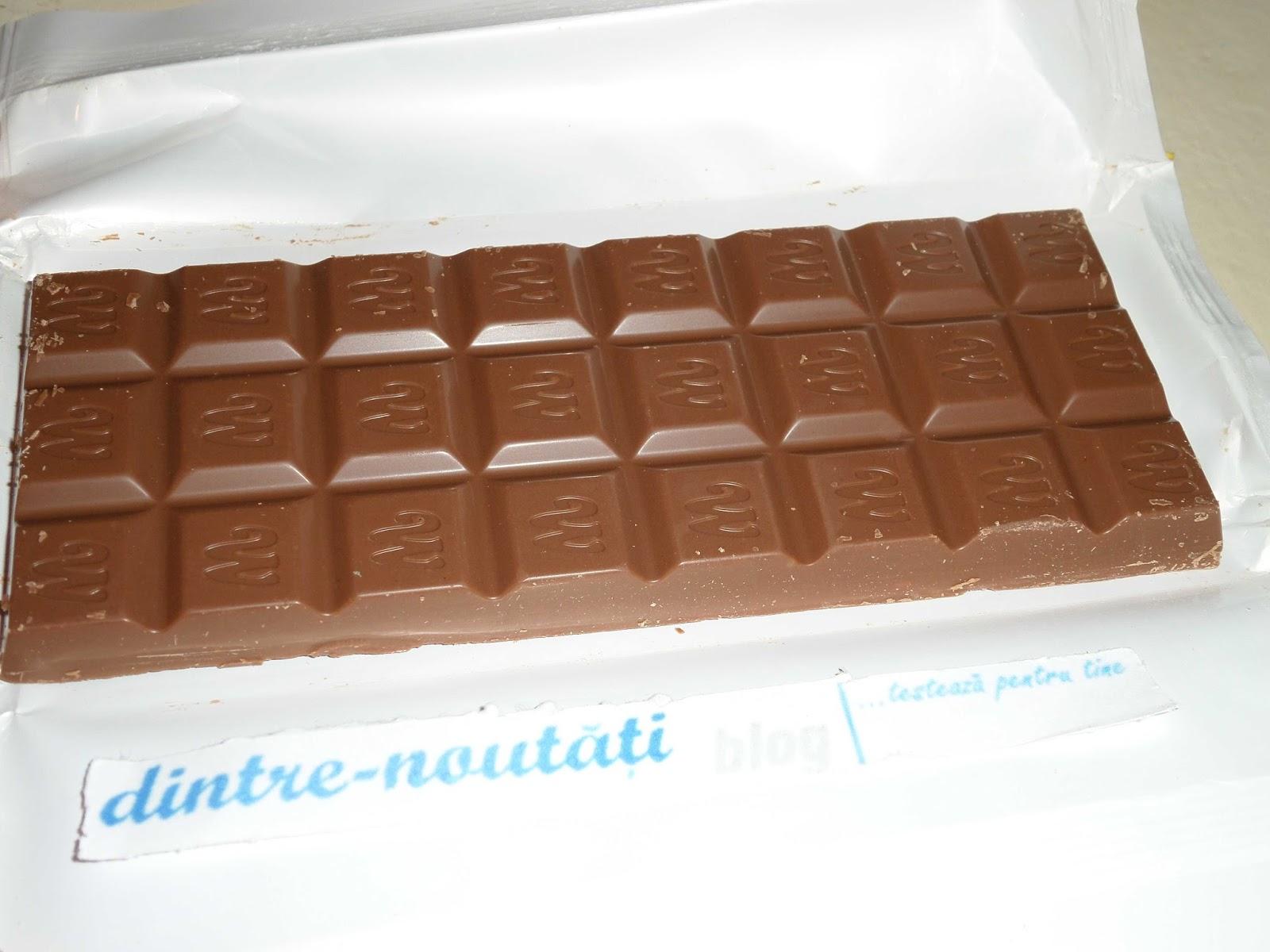 ciocolata suedeza cu lapte si capsuni