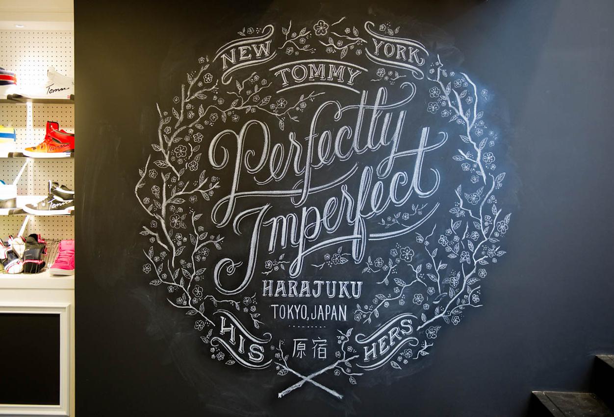 Apple house revival chalk board lettering - Imagenes de paredes pintadas ...