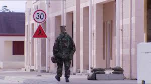 Tentara Amerika Yang Berjalan Menjauh
