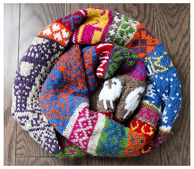 infinite-scarf-jacquard